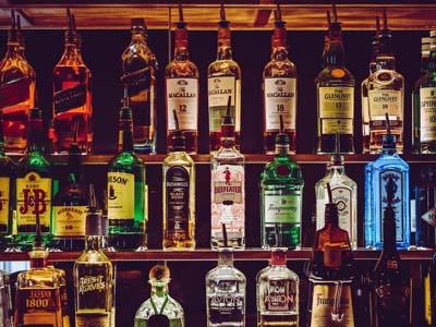 ... destilados y licores, ginebra, brabdy, vodka, whsky, ron, tequila, cognac, orujo, pacharán ...